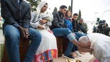 پوپ نے مسلمانوں کے پاؤں دھوئے، بوسے دیئے!