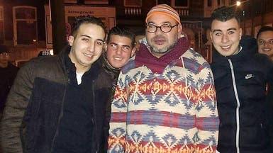 بالصور.. العاهل المغربي يلتقي مغاربة هولندا