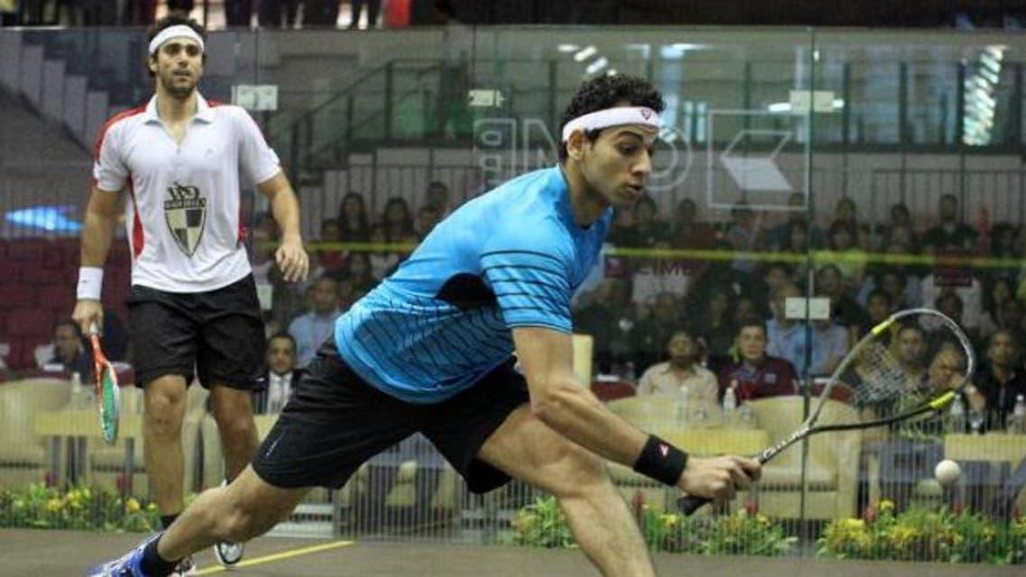 Mohamed El Shorbagy of Egypt (R) (AFP)