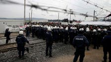 Migrants flood to Greek camp after rumours border will be forced open