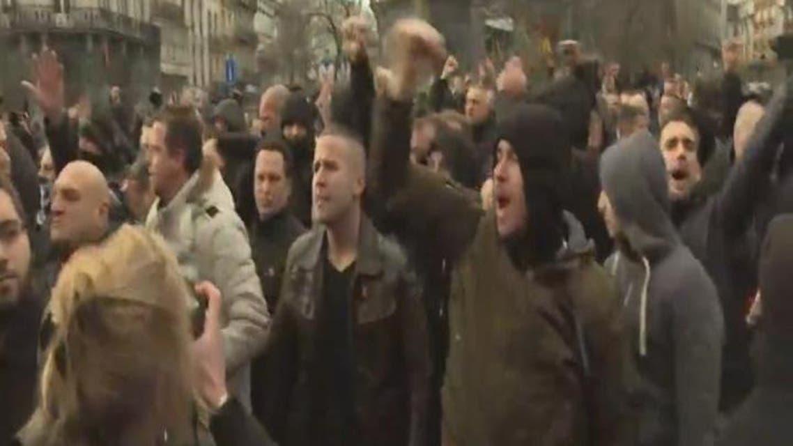 THUMBNAIL_ اشتباكات بين اليمين المتطرف في بروكسل ومتظاهرين