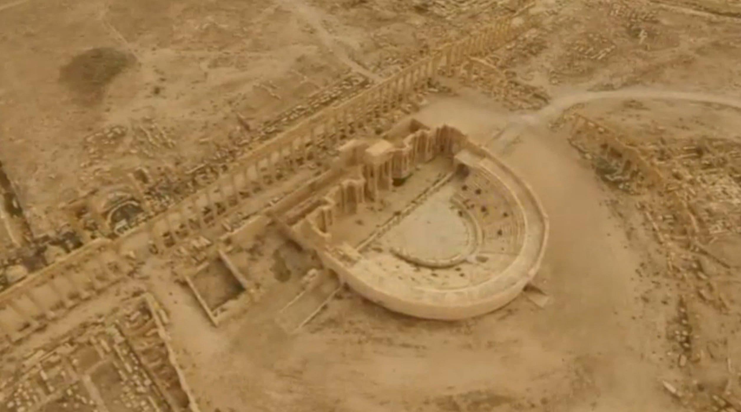 شهر تاریخی تدمر (پالمیرا) آثار تاریخی پر ارزشی را در بر میگیرد که داعش بخشی از آن را ویران کرد