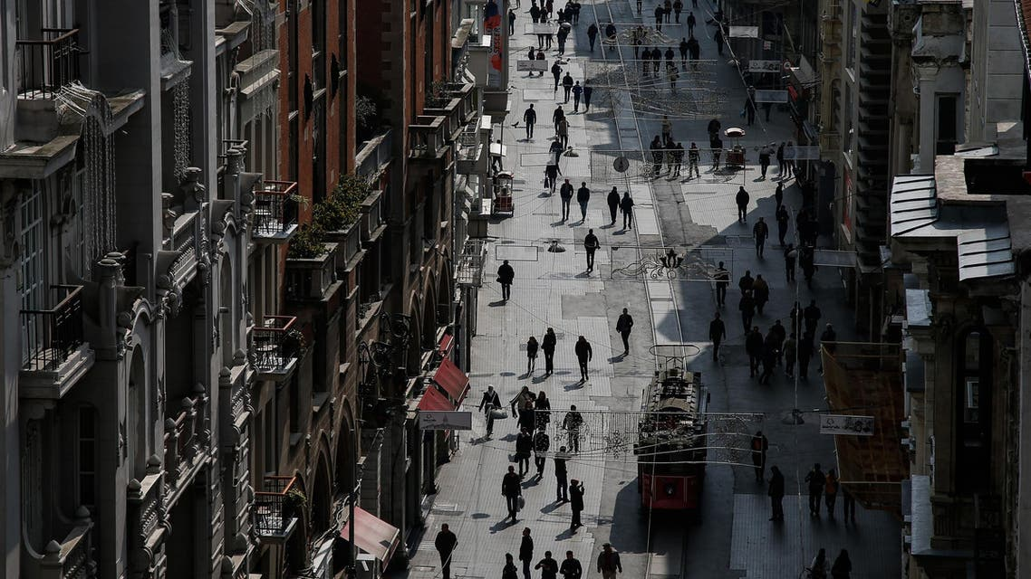 People walk in Istiklal Street near the site of Saturday's bomb explosion, in Istanbul, Sunday, March 20, 2016. Turkey's Interior Minister Efkan Ala has identified the Istanbul suicide bomber as a militant with links to ISIS. (File photo: AP)