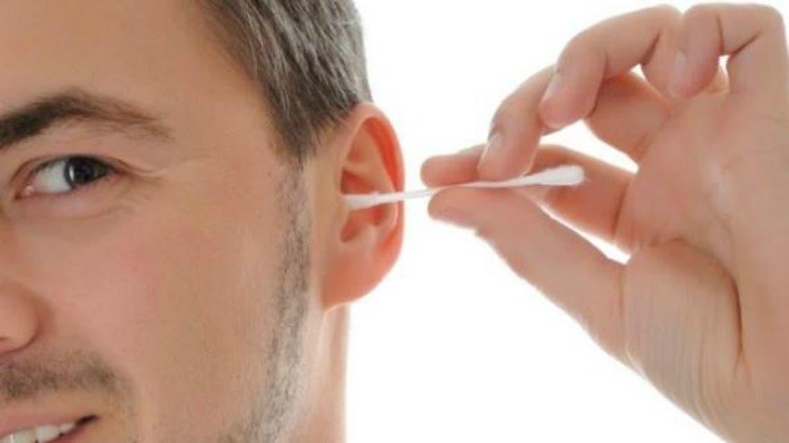 تنظيف الاذن
