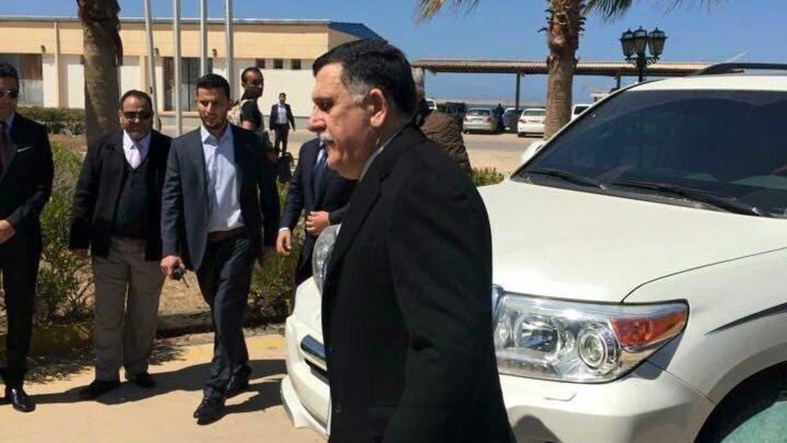 وصول السراج إلى قاعدة بحرية في طرابلس