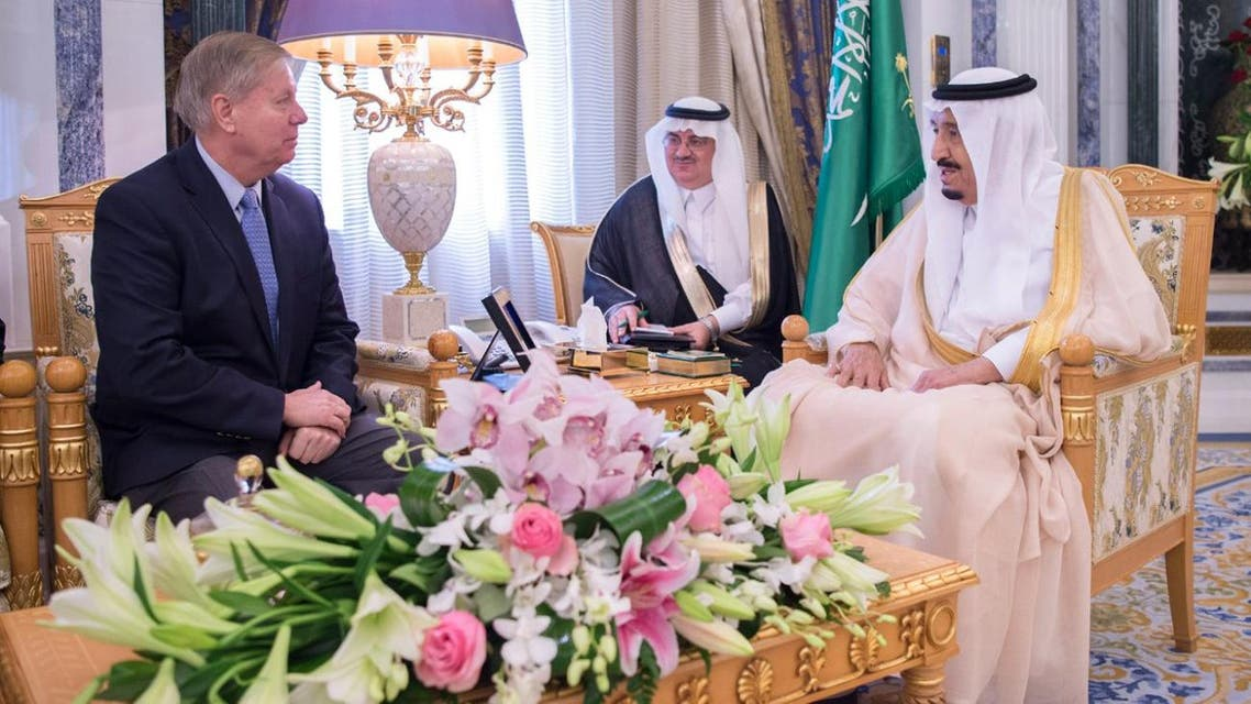 During the meeting, both sides reviewed relations between Saudi Arabia and the United States and discussed a number of issues of common interest. (SPA)