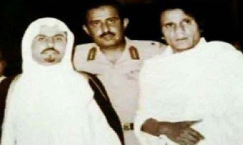 عبد الحليم حافظ يؤدي العمرة في عام 1976