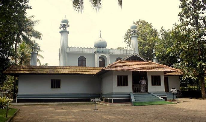 هنا قبل 1300 عام بنى العرب مسجدا في الهند التي أصبح فيها 150 مليونا من أتباع الدين الحنيف