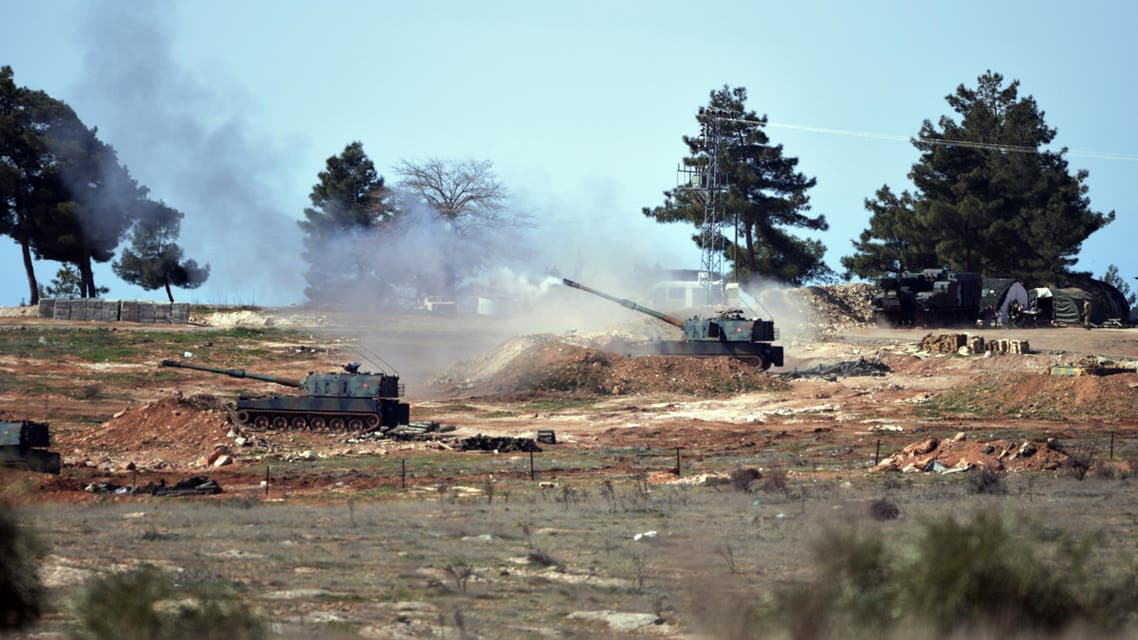 Turkish artillery fire from the border near Kilis town toward northern Syria, in Kilis, Turkey, Tuesday, Feb. 16, 2016. (AP)
