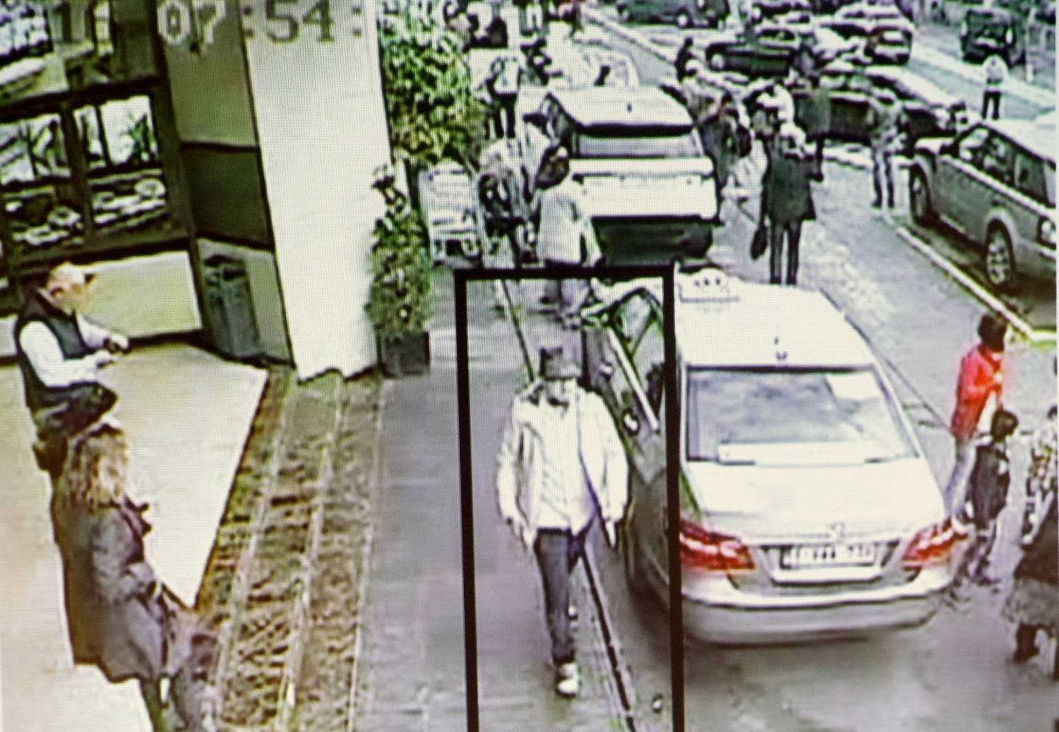 A suspect in the attack which took place at the Brussels international airport of Zaventem, is seen in this CCTV image made available by Belgian Police on April 7, 2016. (Reuters/CCTV/Belgian Federal Police)