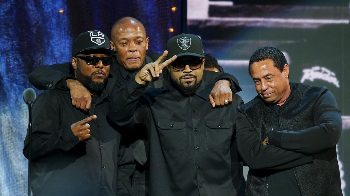 (L-R) MC Ren, Dr. Dre, Ice Cube and DJ Yella of N.W.A. pose for a picture onstage after speaking at the 31st annual Rock and Roll Hall of Fame Induction Ceremony at the Barclays Center in Brooklyn, New York April 8, 2016. REUTERS