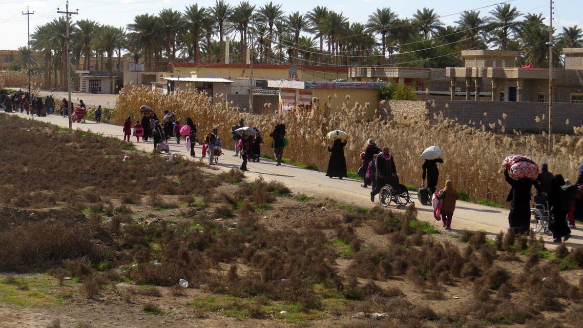 سكان الفلوجة يهربون من القتال الأنبار نزوح مازحين نازحون العراق داعش الأنبار