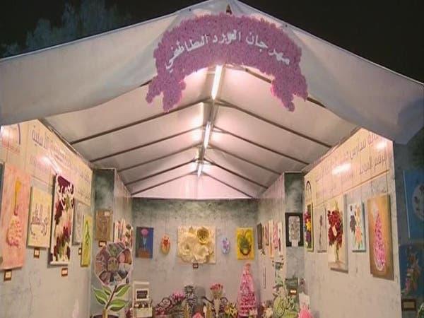 مزارعو الطائف يدفعون بمهرجان الورد إلى منصات النجاح