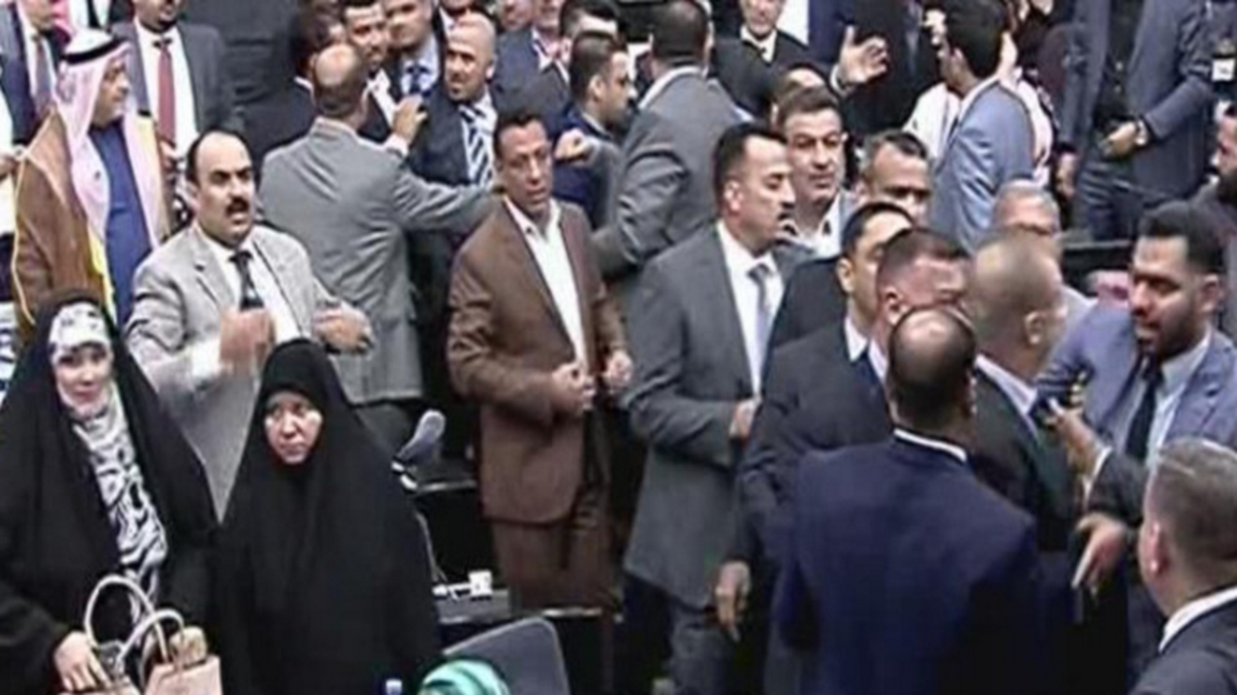 Iraqi politicians brawl in parliament (Al Arabiya News)