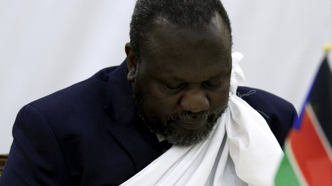 South Sudan's opposition leader Riek Machar prays during a briefing ahead of his return to South Sudan as vice president, in Ethiopia's capital Addis Ababa, April 9, 2016. REUTERS