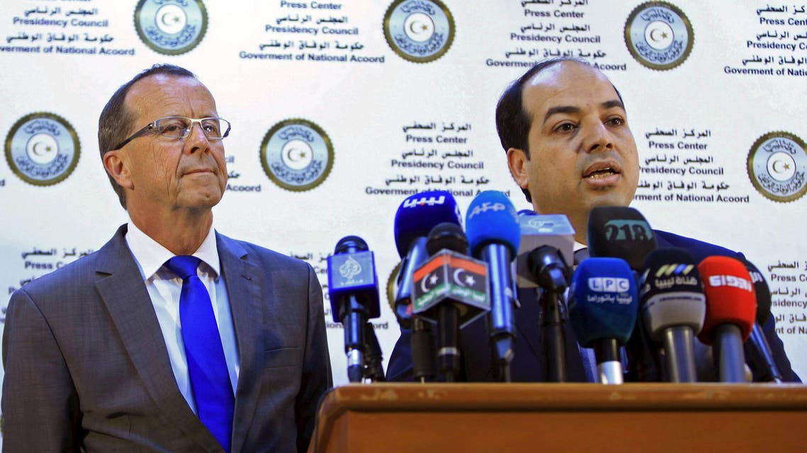 A member of the Presidential Council of Government of National Accord, Ahmed Maiteeq (R) and U.N. Special Representative and Head of the United Nations Support Mission in Libya, Martin Kobler (L) hold a joint news conference in Tripoli, Libya, April 17, 2016. REUTERS