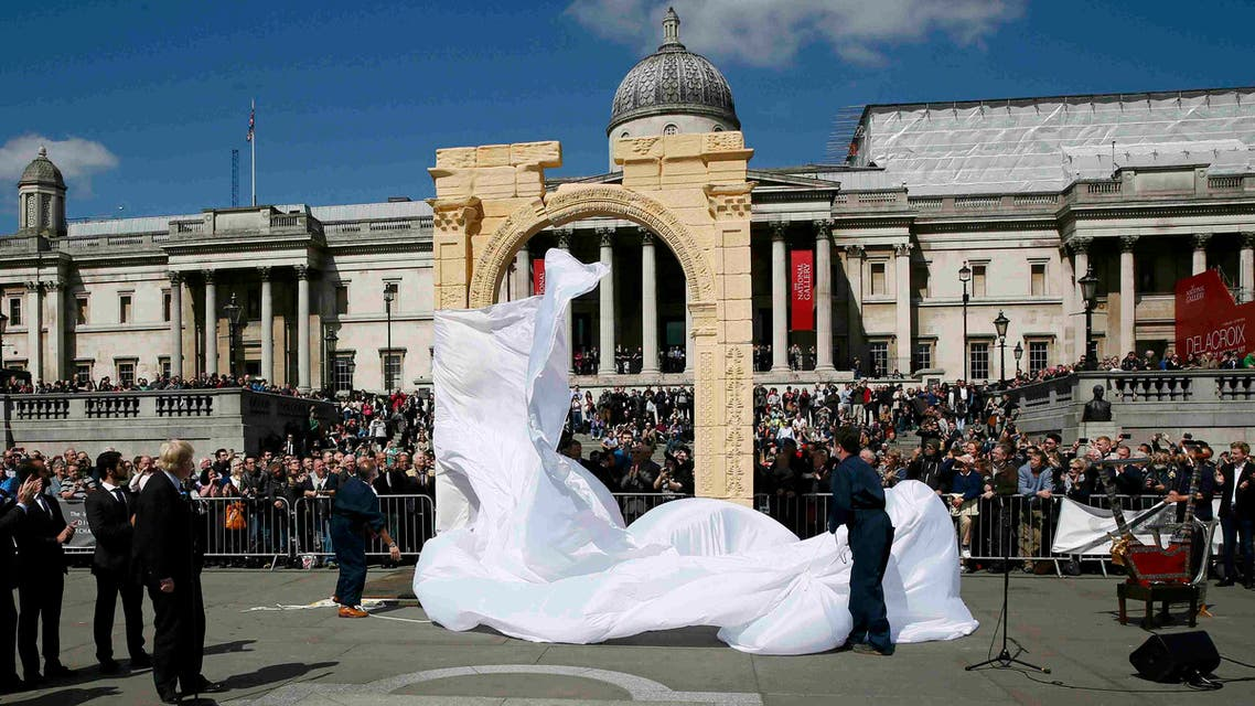 London Mayor Boris Johnson watches as a recreation of the 1,800-year-old Arch of Triumph in Palmyra, Syria, is unveiled at Trafalgar Square in London, Britain April 19, 2016. (Reuters)