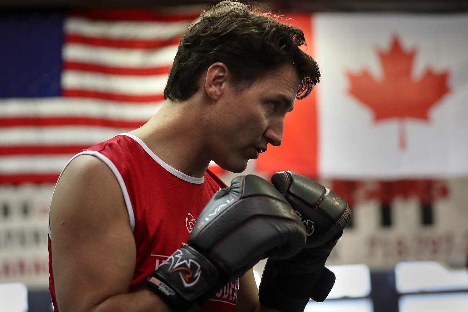 Canadian Prime Minister Justin Trudeau spars in the ring at Gleason's Boxing Gym in the Brooklyn borough of New York, US, April 21, 2016. (Reuters)
