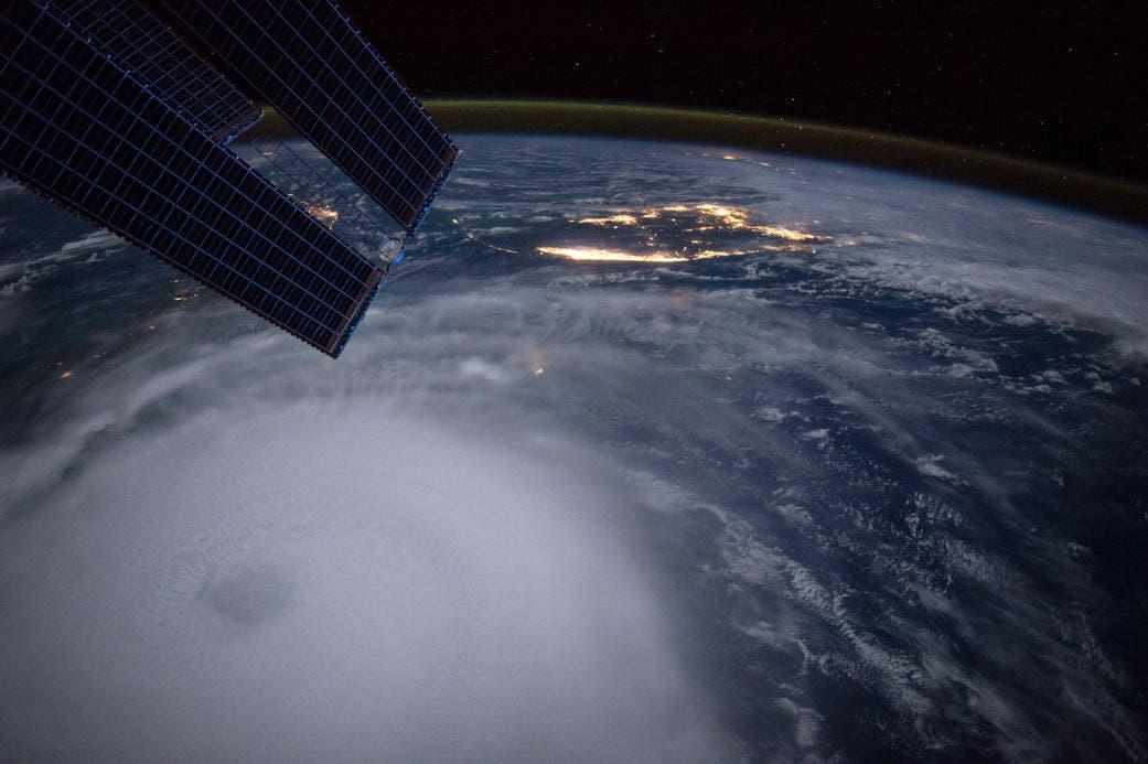 إعصار خواكين في البهاما