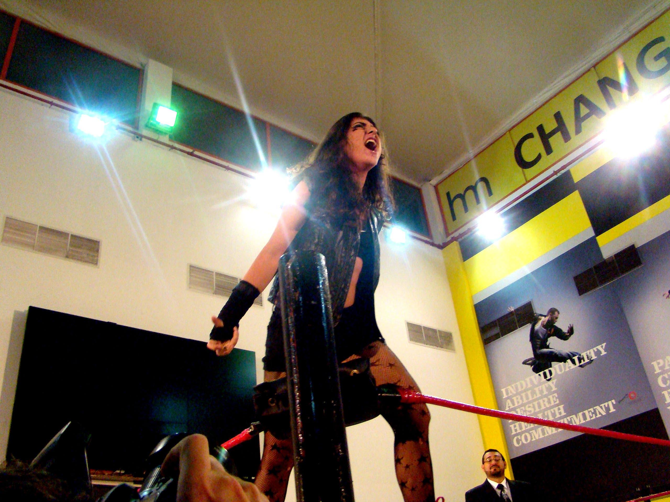 Joelle Hunter, first Arab female wrestler, at the Dubai Pro-Wrestling anniversary. (Tarek Ali Ahmad, Al Arabiya English)
