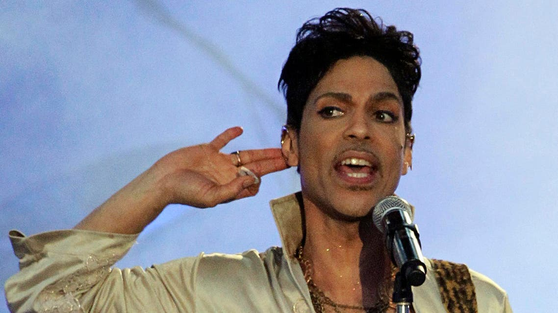 U.S. musician Prince performs at the Hop Farm Festival near Paddock Wood, southern England July 3, 2011.