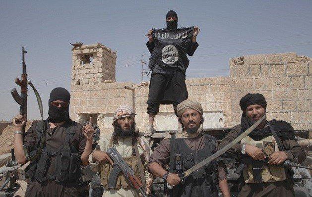 التظيم الارهابي فرض قواعده بقوة السلاح على المدينة