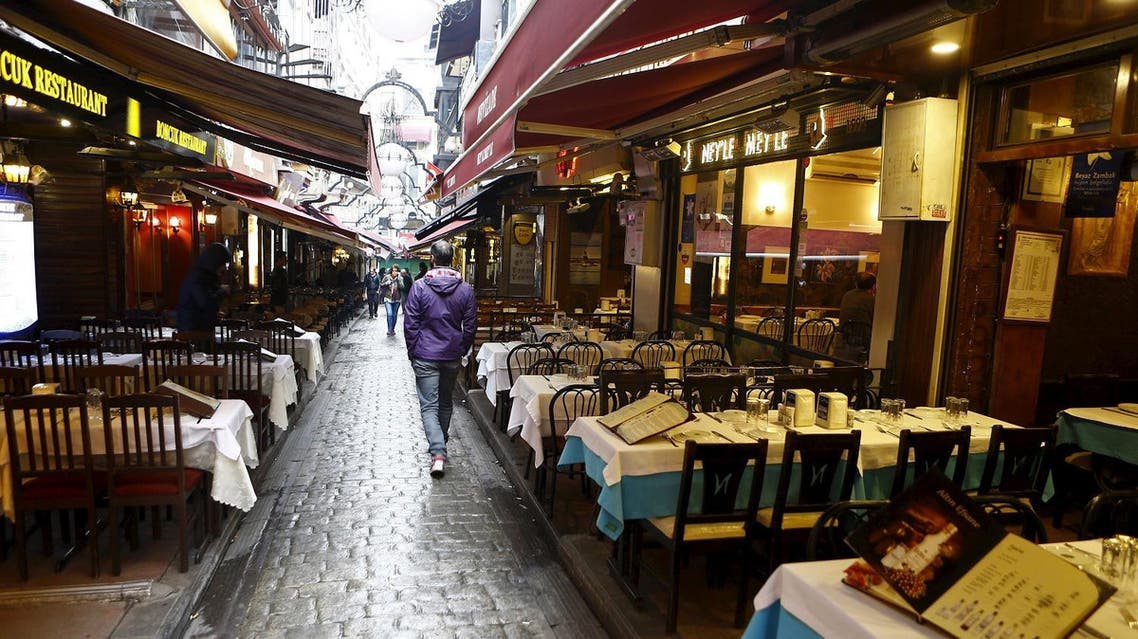 Empty tables are seen following a suicide bombing in a major shopping and tourist district in central Istanbul March 19, 2016. REUTERS