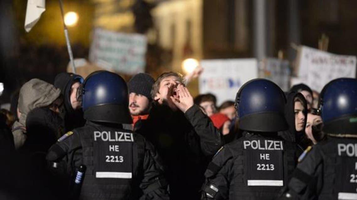 الشرطة الألمانية تعاملت بعنف بالغ مع الصحفيين والمتظاهرين