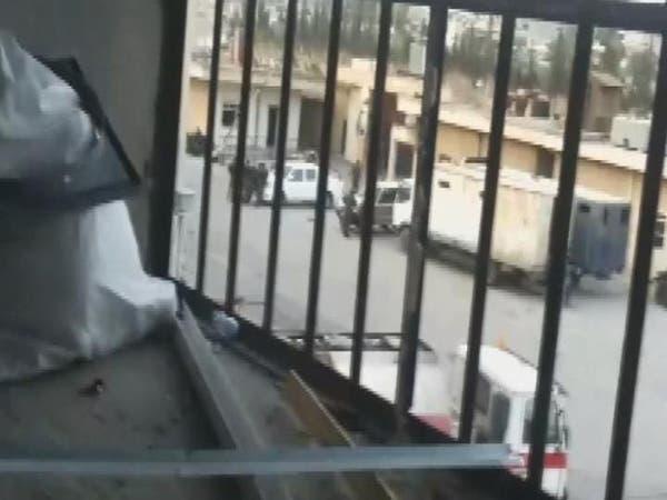 معتقلو سجن حماة يسيطرون عليه بالكامل ويأسرون أمنيين