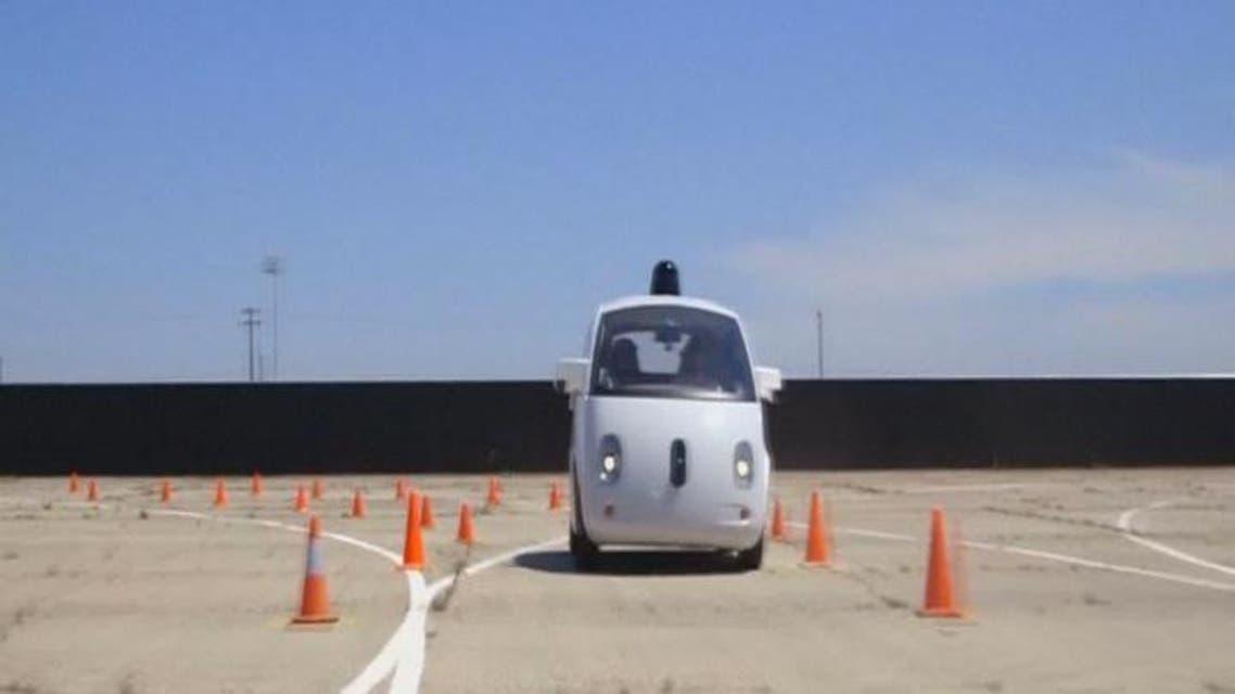 THUMBNAIL_ جوجل تشتري سيارات صغيرة من فيات كرايسلر لاختبارات القيادة الذاتية