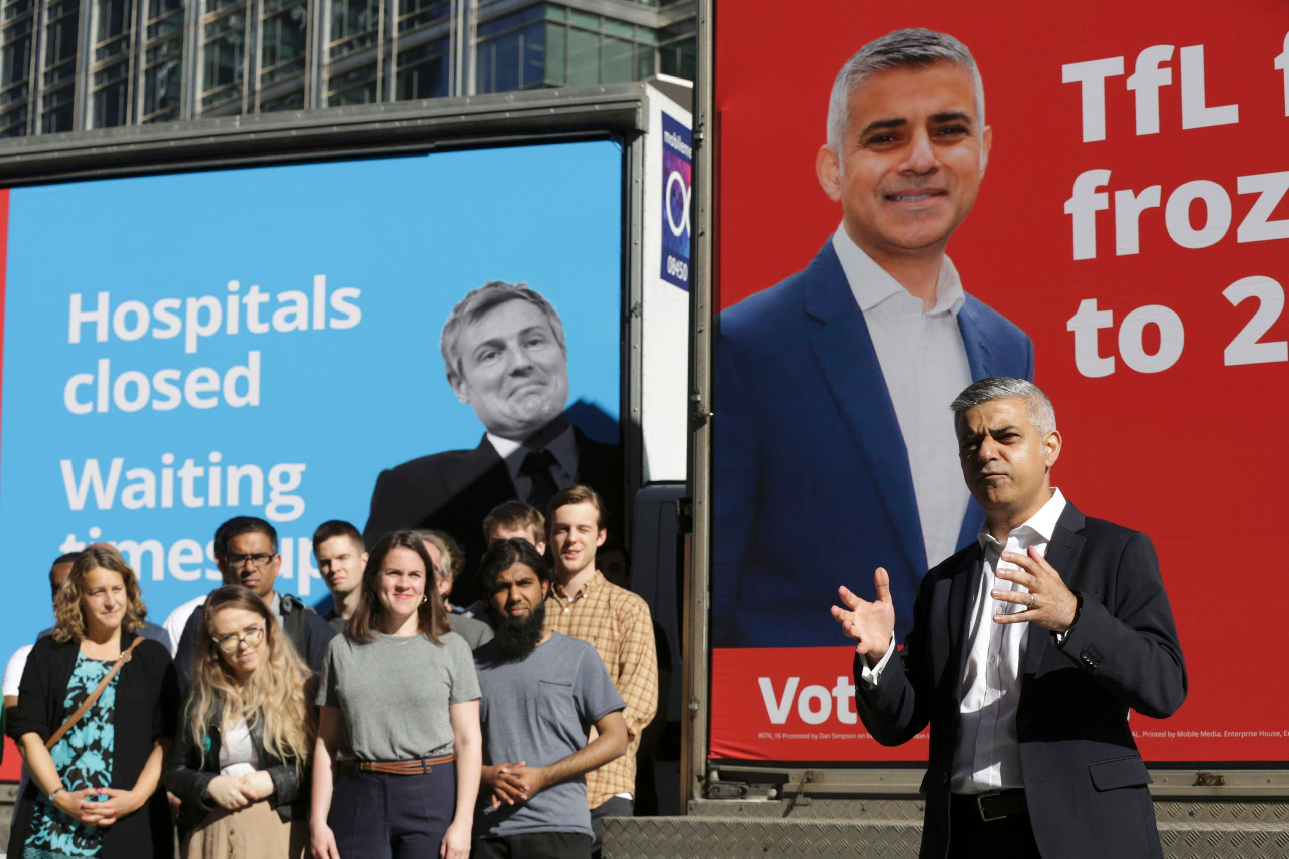 Sadiq Khan, Britain's Labour Party candidate for Mayor of London, speaks to supporters at Canary Wharf in London, Britain May 4, 2016. (Reuters)