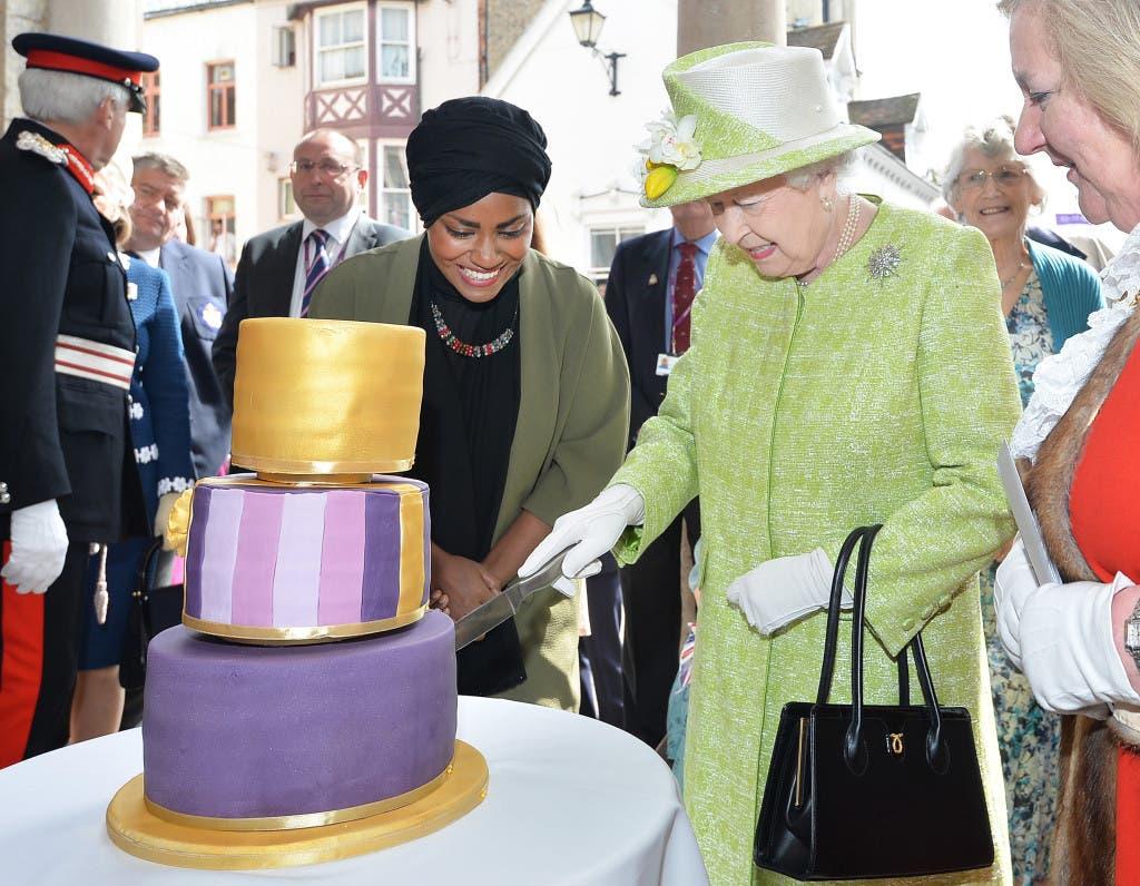 nadiya queen cake