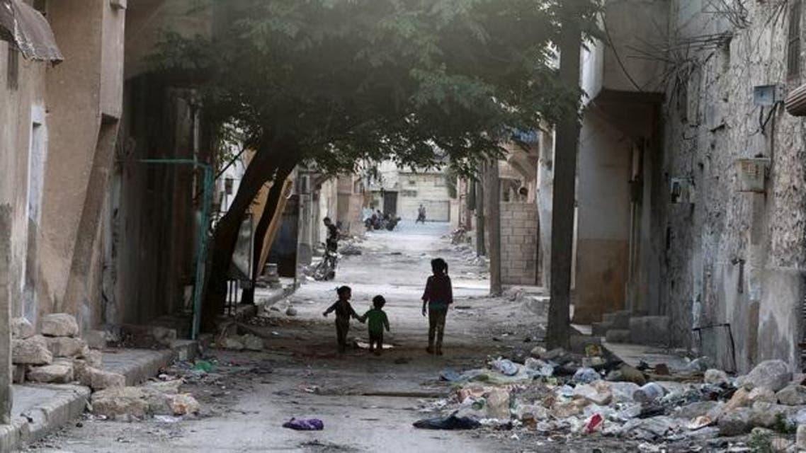 من حلب أطفال فوق الركام