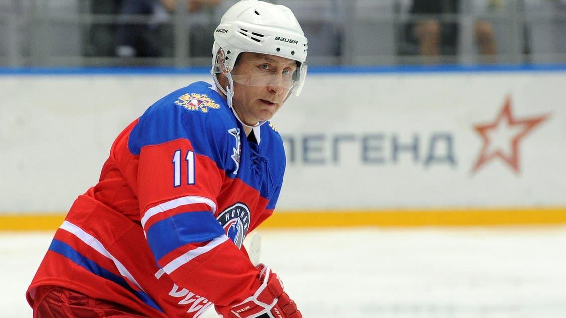 Russian President Vladimir Putin takes part in a gala game of the Night Ice Hockey League in Sochi, Russia, May 10, 2016. Mikhail Klimentyev/Sputnik/Kremlin via Reuters