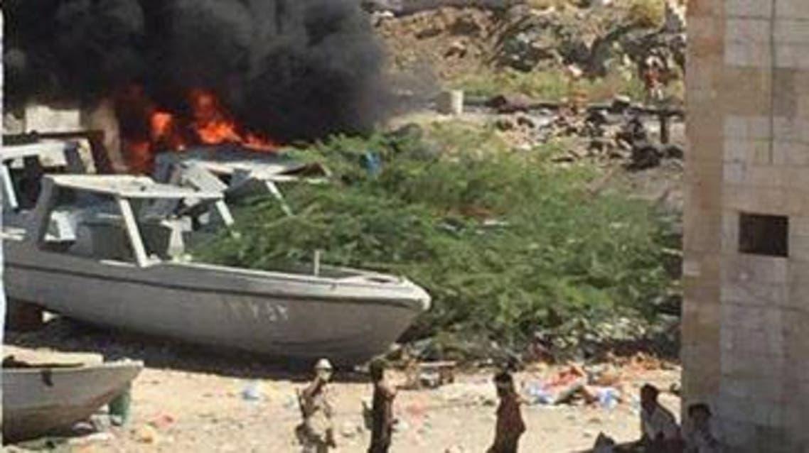 13 قتيلاً بهجمات ضد الجيش اليمني بالمكلا وداعش يتبنى داعش المكلا تفجير