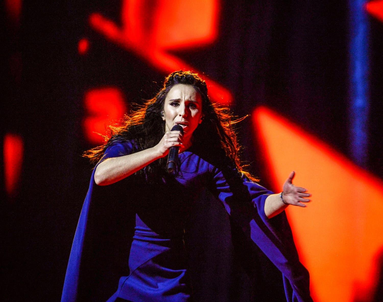 المغنية الأوكرانية التترية جمالا التي فازت العام الماضي