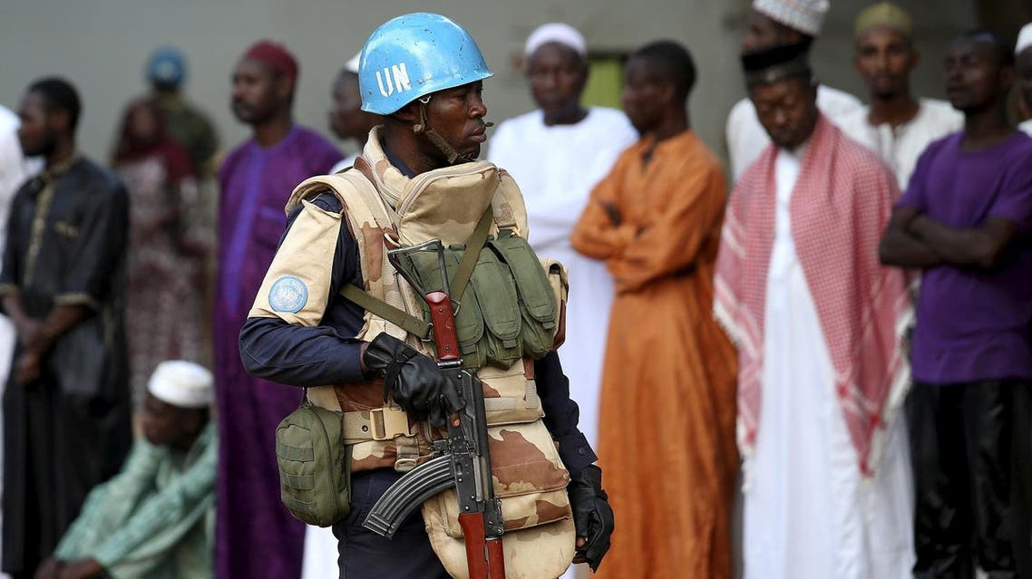 A United Nations peacekeeper patrols inside Koudoukou Mosque before Pope Francis meets with the Imam Tidiani Moussa Naibi in Bangui, Central African Republic, November 30, 2015. (Reuters)