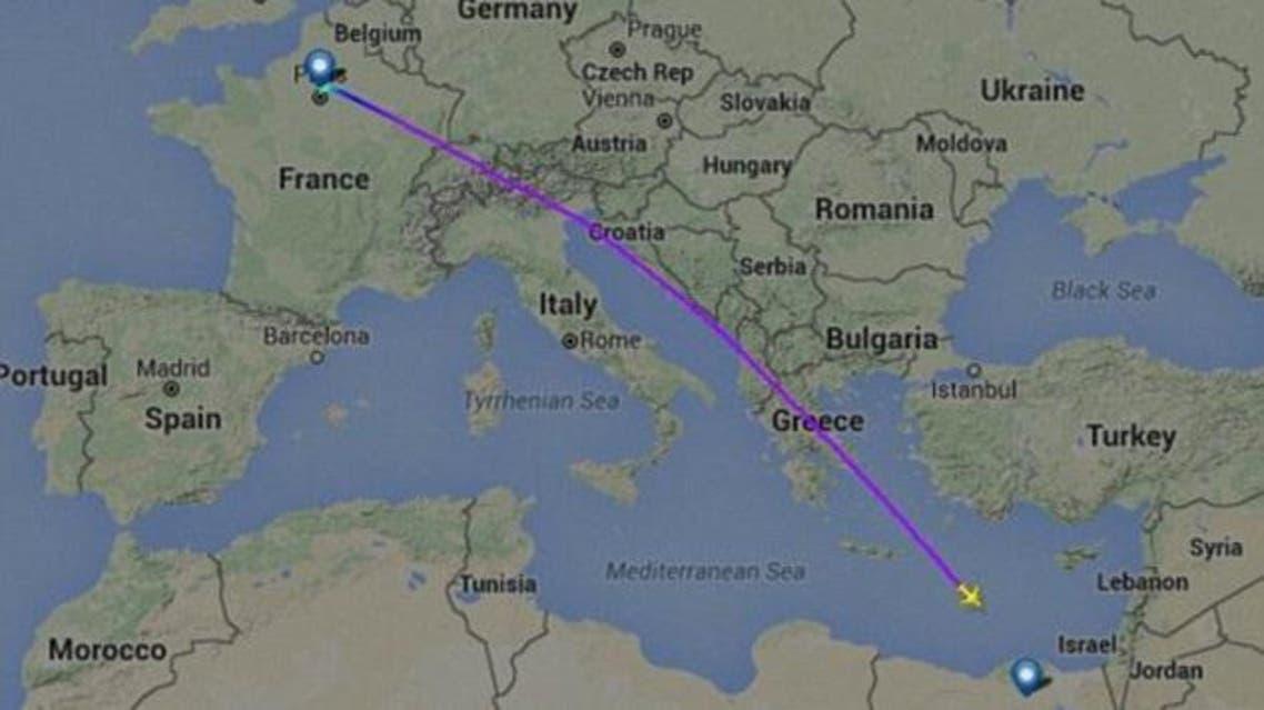 خريطة توضح خط سير الطائرة المصرية القادمة من باريس