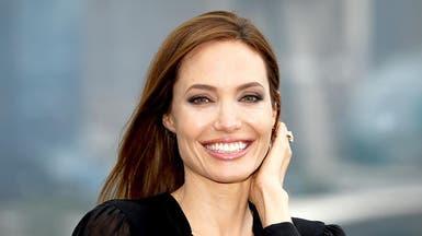 """جامعة بريطانية تمنح أنجلينا جولي لقب """"أستاذة زائرة"""""""