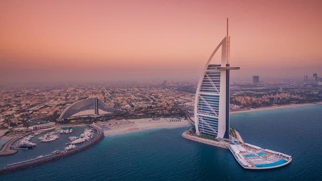 توقعات بعودة الزخم للسياحة في دبي في 2021
