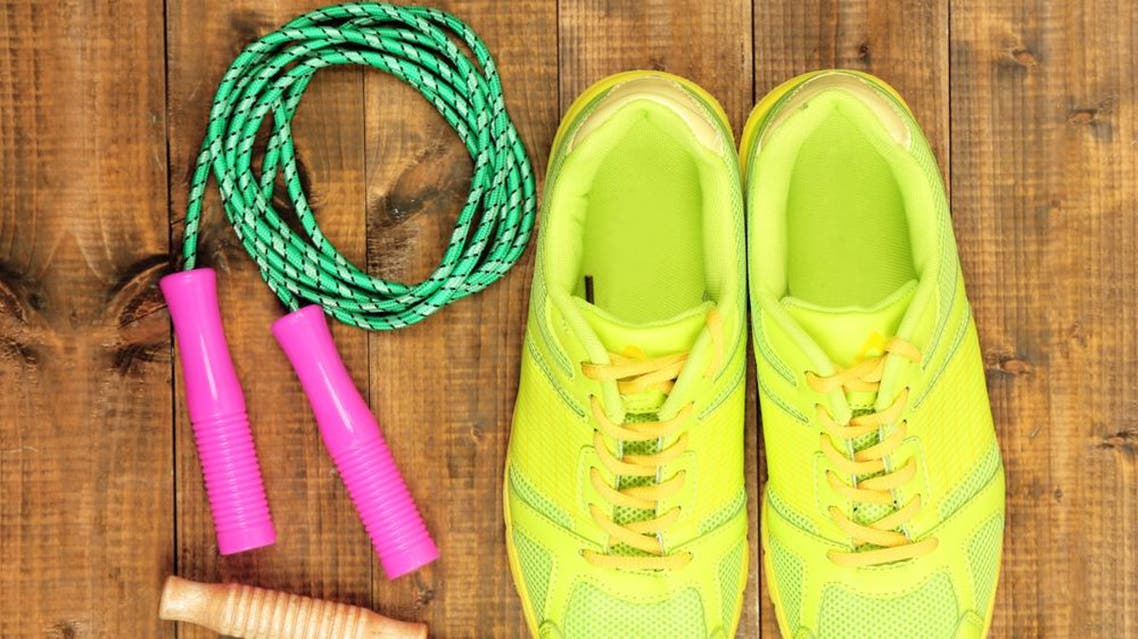 This 10-minute workout will have you burning calories and building strength at the same time. (Shutterstock)