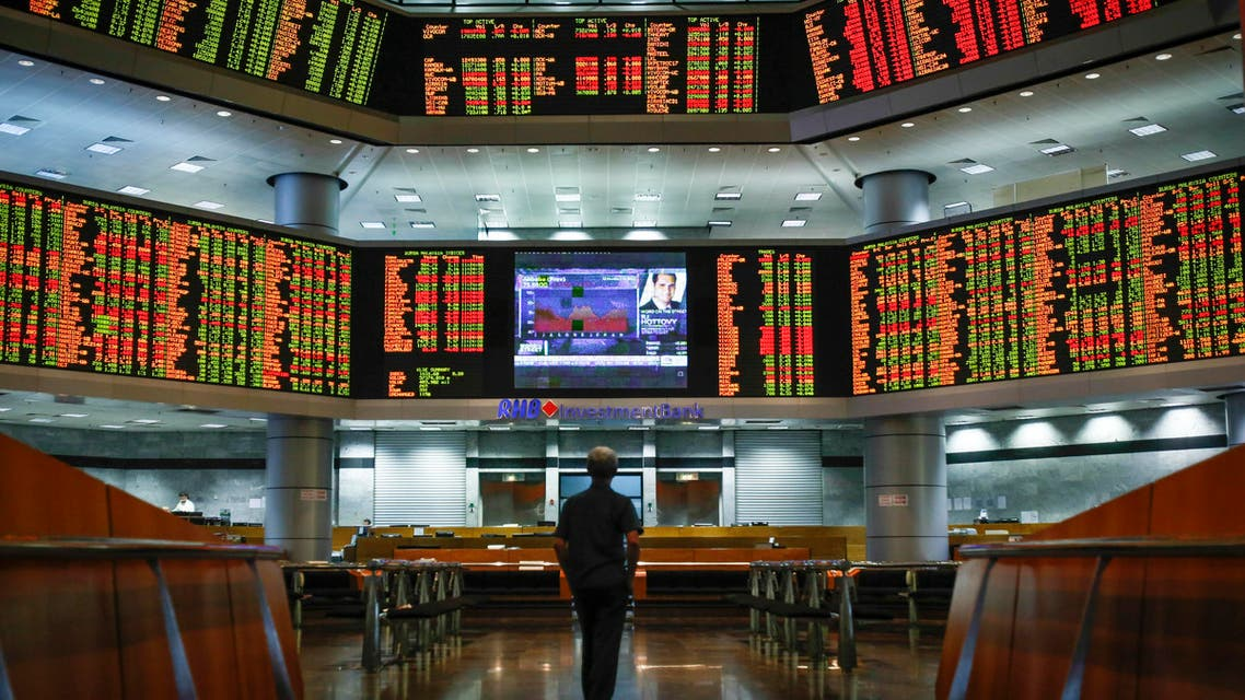 Asian stock markets have been mixed amid worries about a US rate hike and that a rally in oil prices may not be sustainable. (AP)