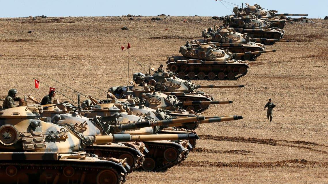 الجيش التركي على الحدود مع سوريا