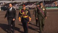 """ملك الأردن يشهد """"استعراض العلم"""" في ذكرى الثورة العربية"""