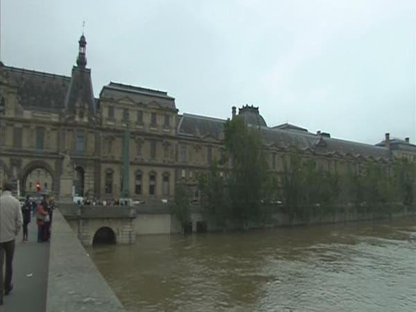 الفيضانات تجبر متحف اللوفر على إغلاق أبوابه