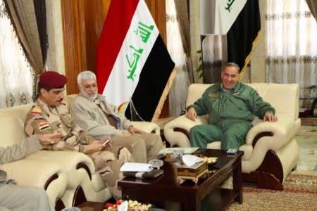 المهندس مع وزير الدفاع العراقي