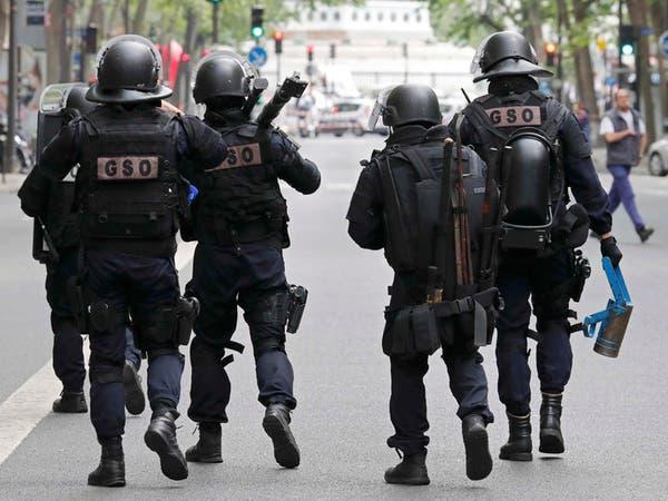 نشر 90 ألف شرطي في احتفالات الفرنسيين بأعياد الميلاد