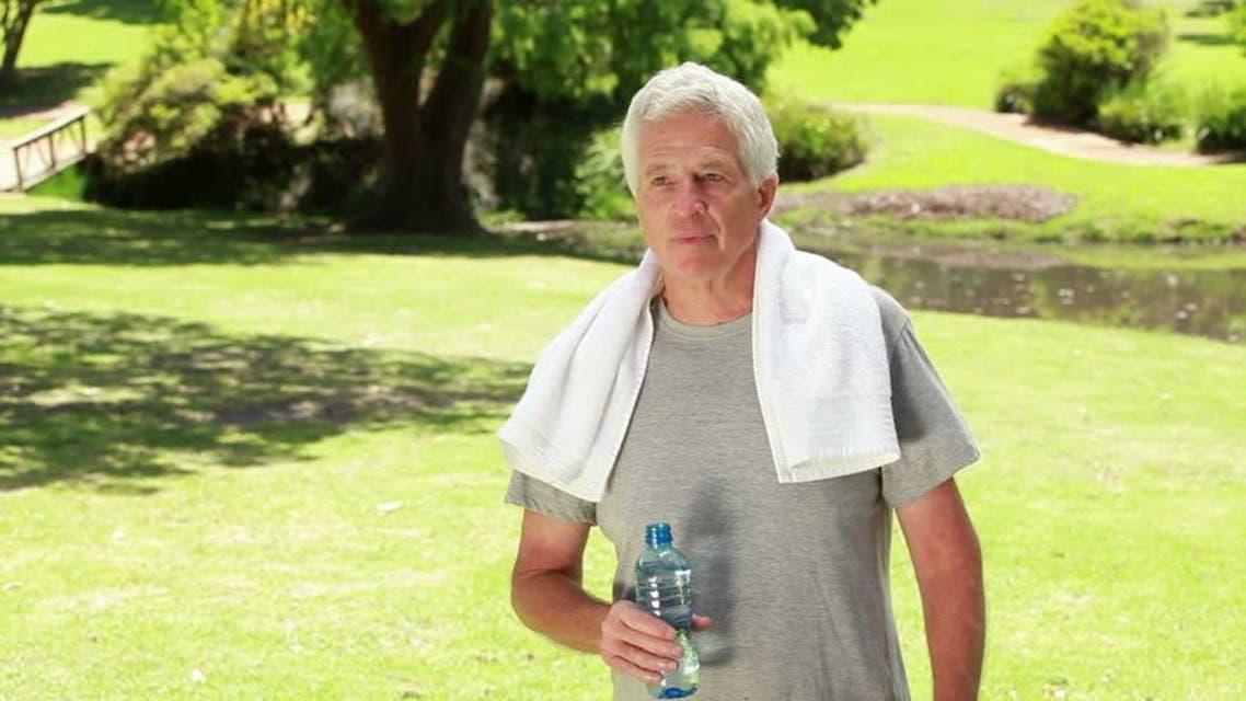 رياضة رجل مسن