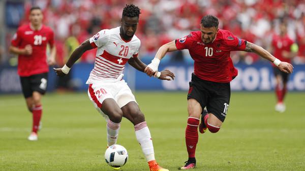 شير يمنح سويسرا الفوز على ألبانيا
