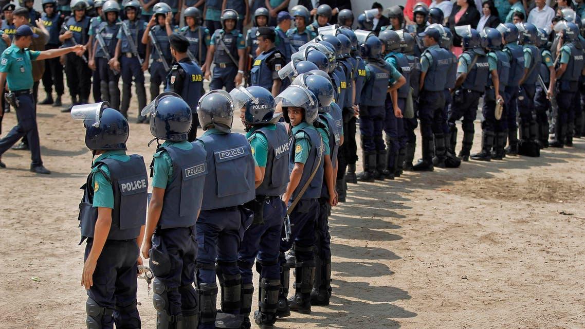 Bangladeshi police cordon off the court building during the court appearance of former Bangladeshi prime minister Khaleda Zia in Dhaka, Bangladesh, Thursday, June 2, 2016. AP